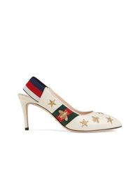 Zapatos de tacón de cuero bordados blancos de Gucci