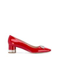 Zapatos de tacón de cuero con adornos rojos de Miu Miu