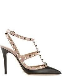 Zapatos de tacón de cuero con tachuelas negros