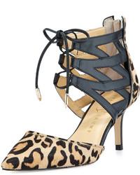 Zapatos de tacón de cuero de leopardo marrón claro