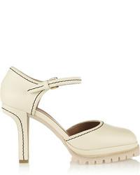 Zapatos de tacón de cuero en beige de Marni