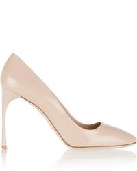 Zapatos de tacón de cuero en beige de Miu Miu