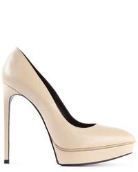 Zapatos de tacón de cuero en beige de Saint Laurent