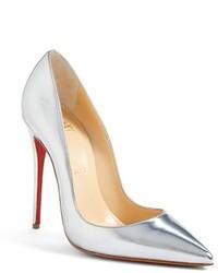 Zapatos de tacón de cuero plateados de Christian Louboutin