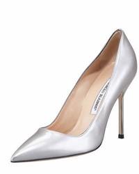 Zapatos de tacón de cuero plateados de Manolo Blahnik