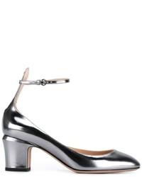 Zapatos de tacón de cuero plateados de Valentino Garavani