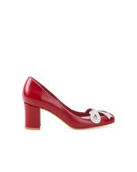 Zapatos de tacón de cuero rojos de Sarah Chofakian