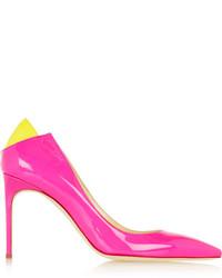 Zapatos de tacón de cuero rosa de Brian Atwood