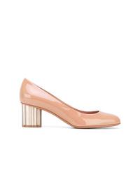 Zapatos de tacón de cuero rosados de Salvatore Ferragamo