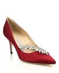 Zapatos de tacón de satén burdeos