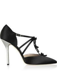 Zapatos de tacón de satén negros de Oscar de la Renta