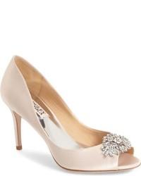 Zapatos de tacón de satén rosados