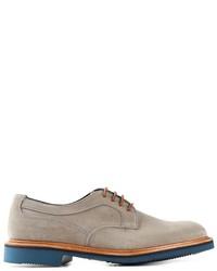 Zapatos derby de ante en beige de Tricker's