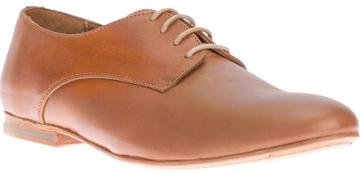 Zapatos derby de cuero marrón claro de B Store