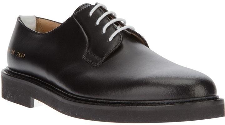 Zapatos derby de cuero negros de Common Projects