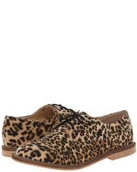 Zapatos Derby de Pelo de Becerro de Leopardo en Beige de Luichiny