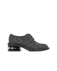 Zapatos oxford de ante con adornos negros de Nicholas Kirkwood